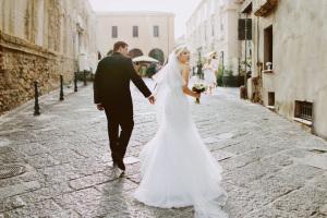 Black tie wedding in Italy
