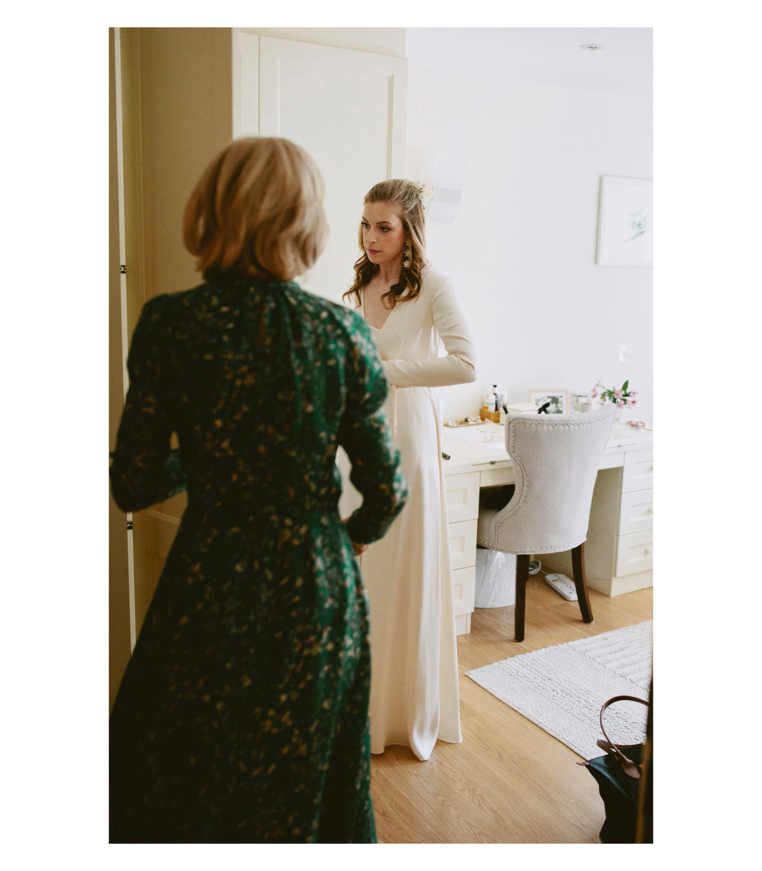 Bride getting ready at in room